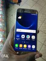 Samsung S7 Quick on sale 3weeks old only still a new phone and legit
