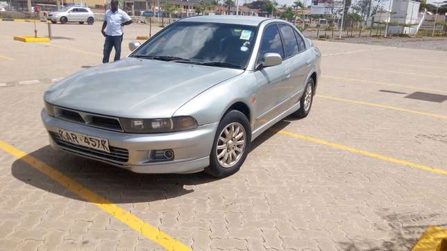 Mitsubishi Galant in good condition Nairobi West - image 3