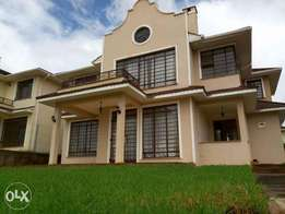 Runda 4 Bedroom Townhouse all Ensuite with TV room, study and DSQ