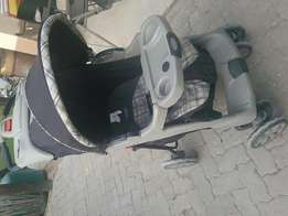 (Bargain) Evenflo pram with strong structure and big double wheels.