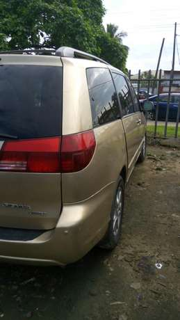 Toyota sienna 2006 model available for sale Calabar - image 2
