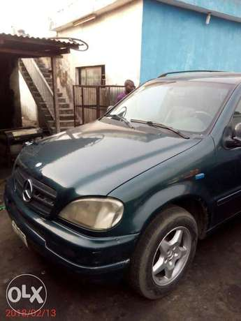Neatly used 02 Mercedes-Benz ML 320 Ojo - image 4