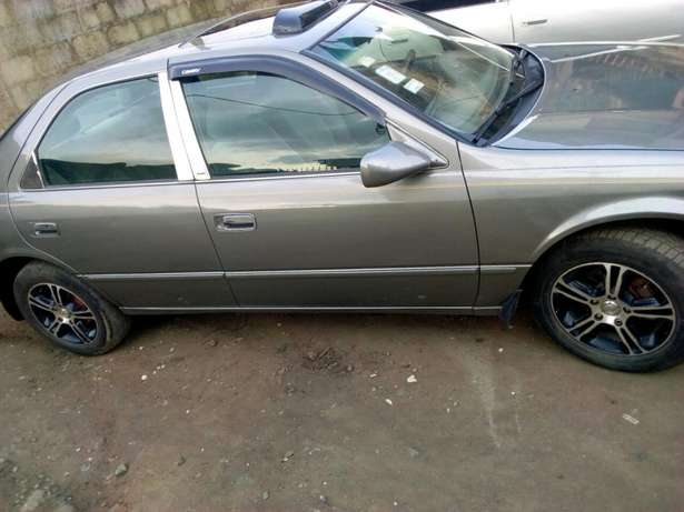 A neatly used Toyota Camry Ikorodu West - image 3