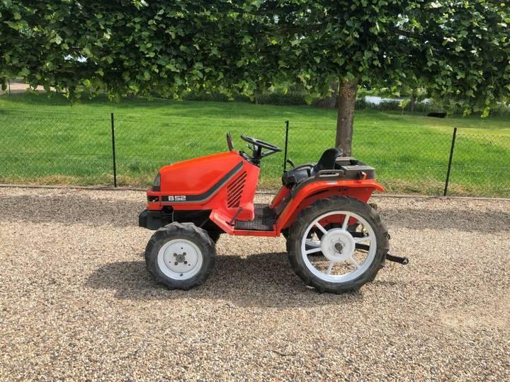 Kubota B52 Minitractor / Mini Tractor