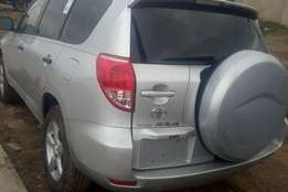Lovely and Clean Toyota Rav 4 , 2008