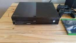 Xbox One 500G + Exstra Remote + 7 Games + Headset
