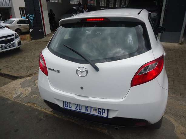 2011 Mazda 2 1.5 Dynamic Available for Sale Johannesburg - image 4