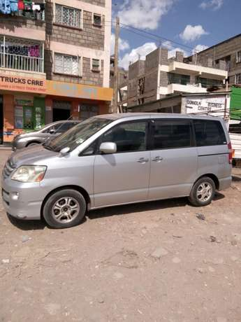 Toyota Noah on sale. Extremely clean. Accident free original paint. Donholm - image 3
