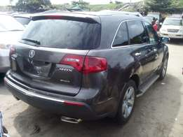 Acura MDX available in show room