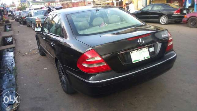 Extra clean Benz E350 at affordable Price Akure South - image 6