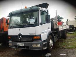 Mercedes Benz 1528 with 9m crane