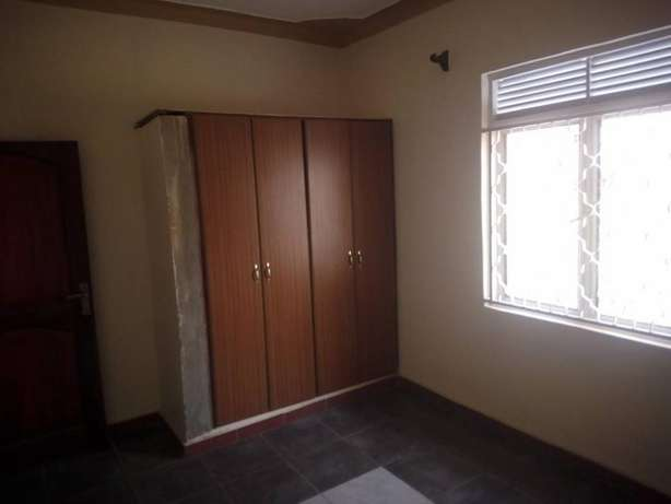 Pay without regretting 2 bedroom house for rent in Kiira at 300k Kampala - image 4