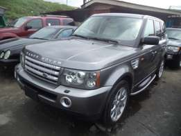 Just arrived 2007 land rover range rover sports. Gray