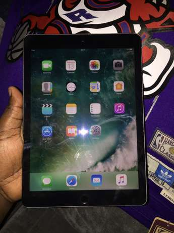 Apple iPad Pro 128gb wifi n sim 9.7inch (camera with flash) Parklands - image 2