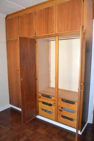 3 bedroom house with granny flat in West-end West End - image 7