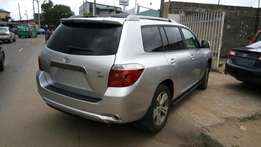 Toyota highlander 2008 model very clean buy and drive
