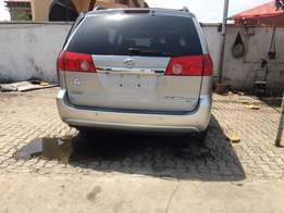 Foreign Used SIENNA XLE