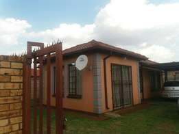 House for rent in pta west lotus jalapeng R4800
