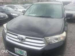 Few months used toyota highlander 2012