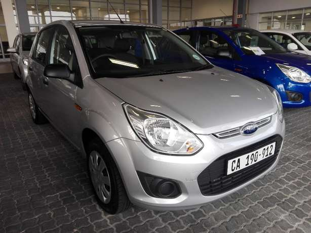 Ford Figo 1.4 Ambient (2016) Silver 16000km Goodwood - image 1