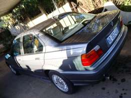 323i BMW Automatic , immaculate condition