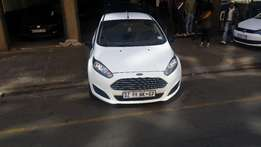 2015 Ford Focus 1.6 comfort line available for sale