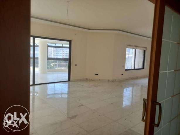 Sea View 450 SQM Located in Ramlet Bayda
