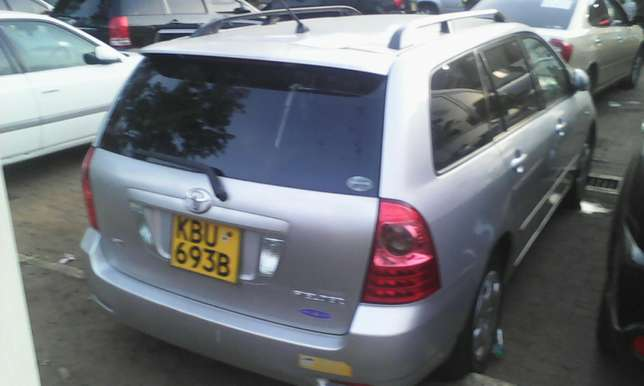 1500 cc Toyota Fielder very clean on quick sell Nairobi CBD - image 3