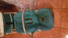 Bounce baby prem and matching car seat for sale or to swop for laptop