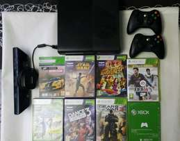 Xbox 360 gaming console + Kinect