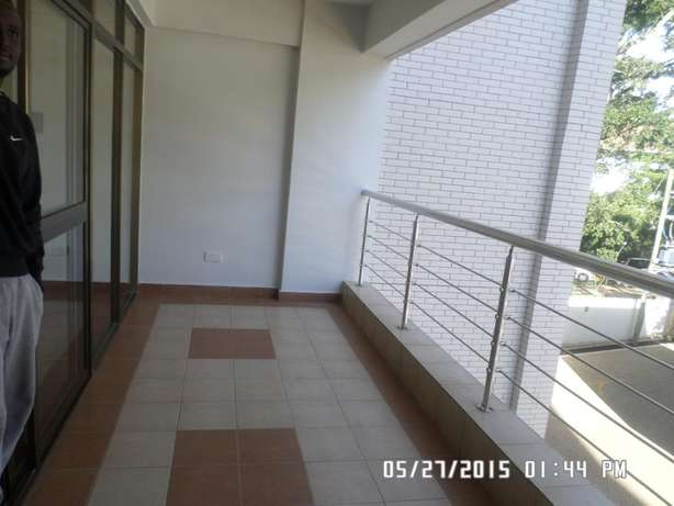 A 3 bed apartment all en-suite with SQ for rent close to the Junction Lavington - image 7