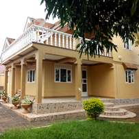Executive five bedroom double storied stand alone rent bweyogerere 1m