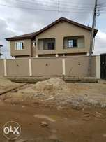 Lovely vacant blk of 4Flats of 3Bedrm each wt C of O at Oworo For Sale
