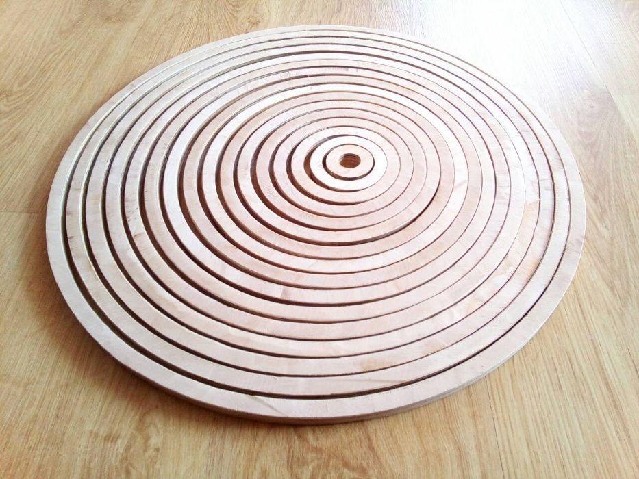 Деревянные круглые заготовки с дырками