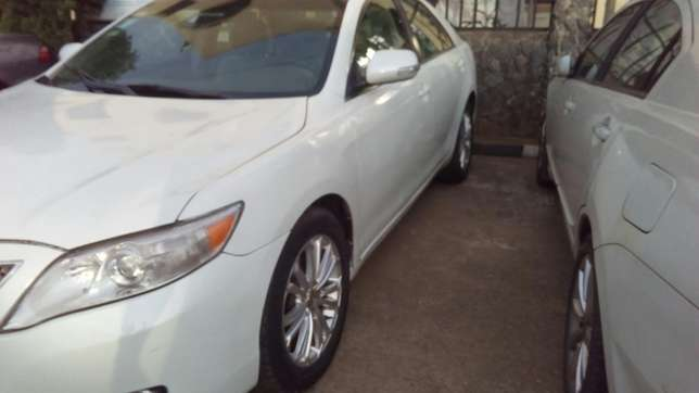 Check this toyota camry out a/c auto drive leather seat Ikeja - image 4