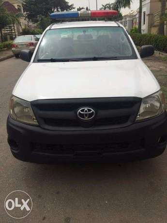 TOYOTA HILUX 2010 In Great Condition Asokoro - image 3