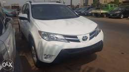 Super clean toks Toyota Rav4 2013