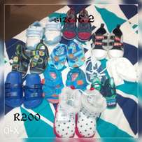 Boys shoes size 1to 2 11 pairs
