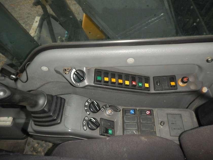 Volvo EW140B - 2005 - image 32
