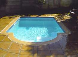 New Swimming pools, pumps, filters and offers monthly pool maintenance