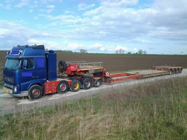 Nooteboom Lowbed + Volvo Truck - 2004