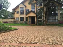 A 5 bedroom Townhouse all ensuite, a pool. In Karen for sale