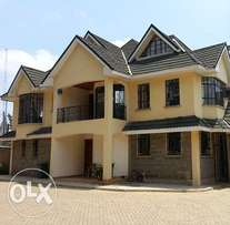 Town House in Lavington To Let