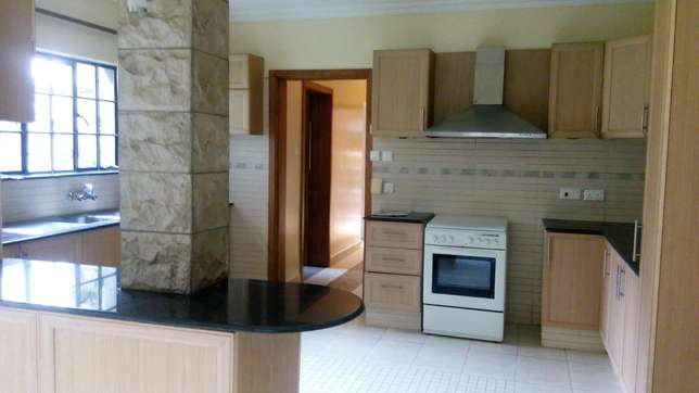 A 5 bedroom townhouse with a servant quarter for letting. Kileleshwa - image 4