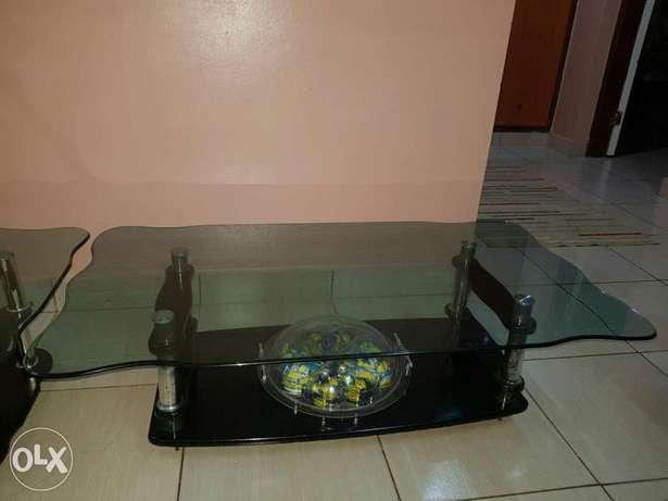 Unique 3 piece glass black coffee table at an affordable price Mombasa Island - image 7