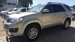 2012 Toyota Fortuner3.0 D4D R/Body
