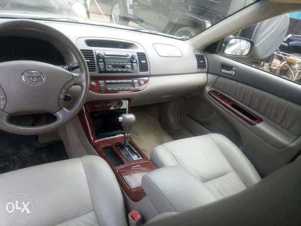 Toyota Camry V6 xle foreign used 2006model for Sale Ikeja - image 4