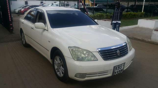 Toyota crown Hurlingham - image 1