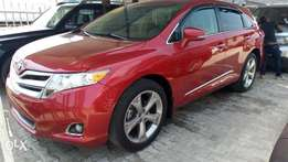 Very clean Toyota Venza toks