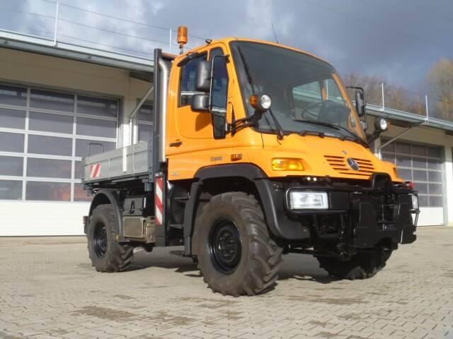 Unimog 300 - U300 Mit Werner Hzw + Heckkraftheber